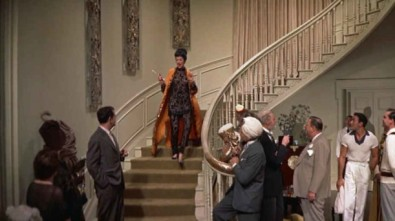 auntie-mame-staircase-611x343